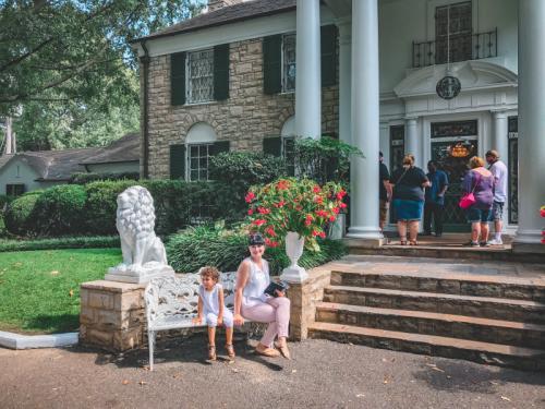 Frau Zuckerbrötchen in Graceland