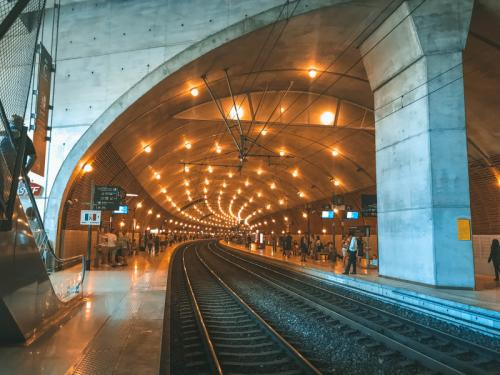 Im Inneren des Gare de Monaco