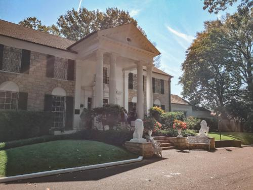 In-Graceland-home-of-Elvis